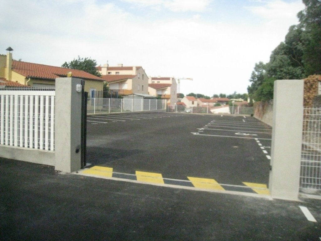 Location garage parking argel s sur mer 66700 sur le for Garage automobile argeles sur mer